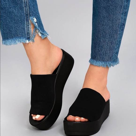 New In Box Bebe 9s Slinky Sandals